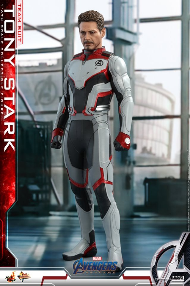 Tony Stark na Armadura do Reino Quântico